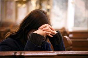 praying_woman_in_church